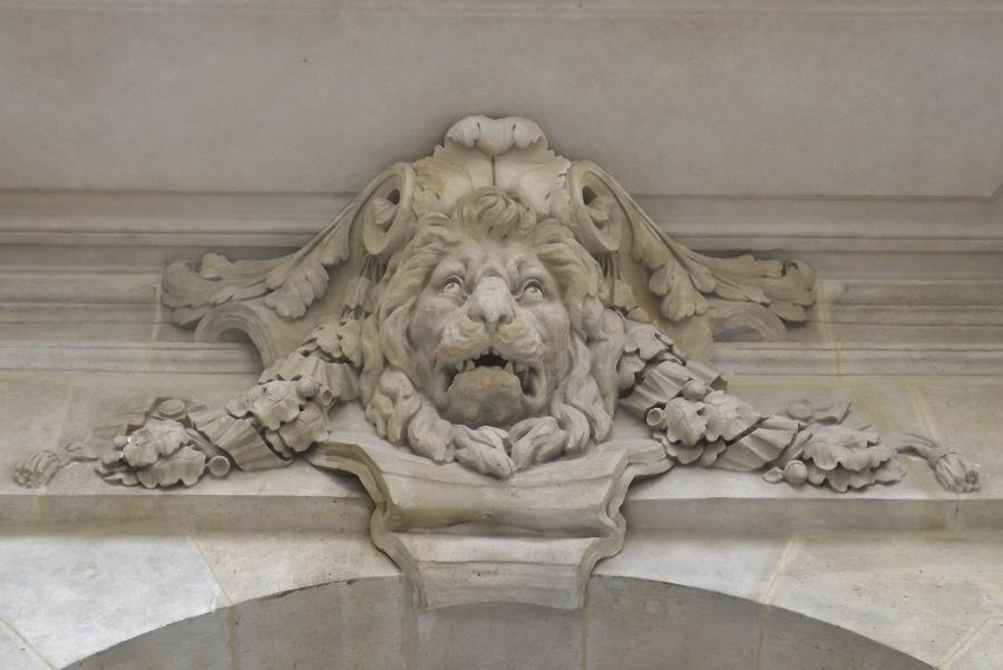 lion porte valois